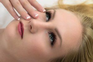 מה תפקיד הפילינג בבריאות עור הפנים